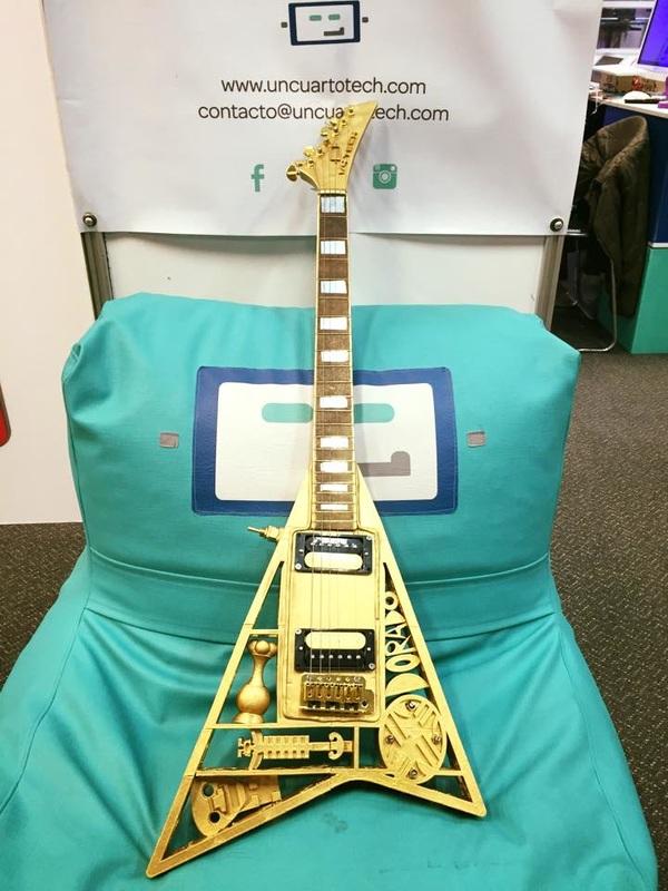 3d_guitar_1